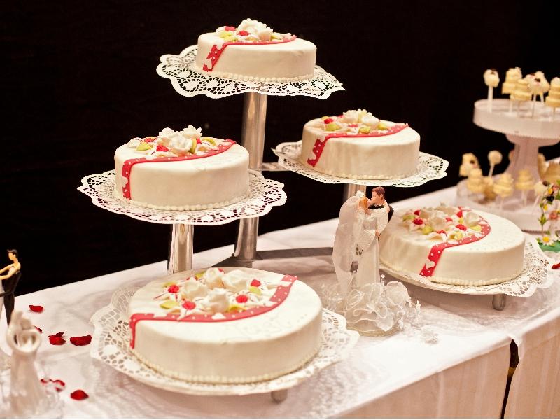 Hochzeitstorten In Siegen Siegerland Hotel Cafe Romer In Siegen